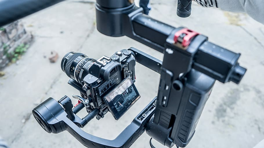 Best DSLR Stabilizer Under $100